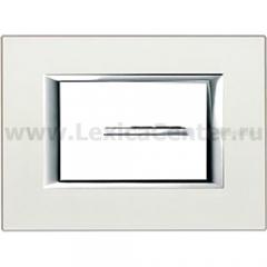 Legrand Bticino Axolute HA4803SAN Жемчужное Серебро Рамка 3 мод прямоугольная