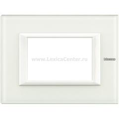 Legrand Bticino Axolute HA4803VBB Белое стекло Рамка 3 мод прямоугольная